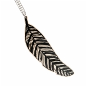 Good news necklace, black/nude